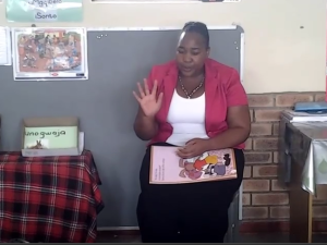 Video: Story telling by Thabsile Nyide of Qhamukile Primary School
